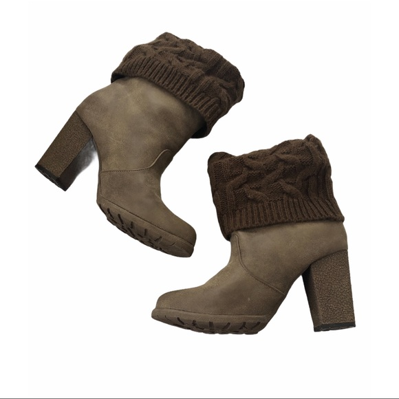 Muk Luke Sweater Top Ankle Booties